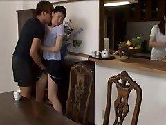 Asijské dívky svedl a sexy punčocháče