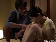 Sexy Asijská milf Asami Nanase dává tvář, kurva