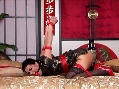 Kimono & Strappado i Sängen
