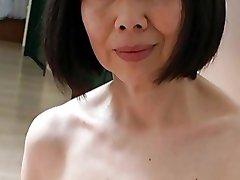 Japansk Gammal med en Fantastisk Bröstvårtor