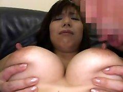 Härliga Bröstvårtor Att Suga I Japan