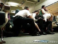 Horké Asijské orgie v letadle