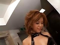 Akane Hotaru squirts during the time that toying