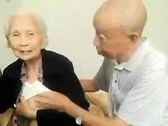 アジアの古いカップル
