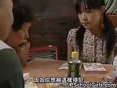 Azijos mergina Gangbang lytis