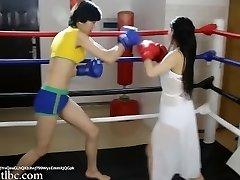 レス0024;中国の女の子ボクシング