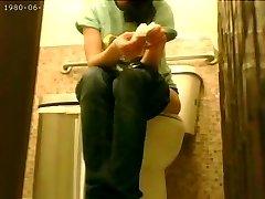 韓国の高速食従業員の隠れたカム浴室