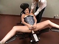 Inexperienced Plays With Pummeling Machine