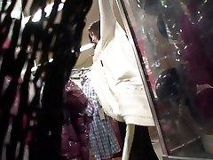 Impresionante Asian babe obtiene dos chicos a la mierda de su apretado agujero coño