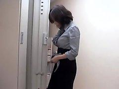 Insane asian slut fucked by massagist in beautiful voyeur movie