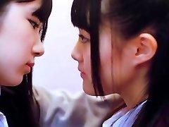ske48 - lesbiene 01 sărut
