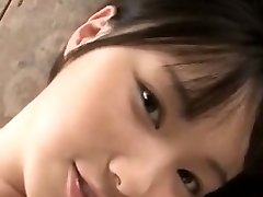 adorabil sexy fata din asia trage