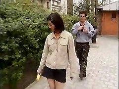 Étudiant coréen baise ouest bites -1