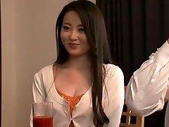 Familie Ungewöhnlich Glücklich! ! Ikegami Frau Sakurako Ist Die Torte Umarmte Auch Den Bruder Des Mannes, Umschlungen Von Sohn