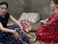 chinois de la adolescent fille à la prison part4