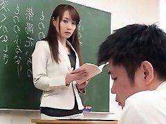 Niedliche Japanische Schlampe Schlug