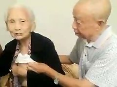 Asiatiques, Couple De Personnes Âgées