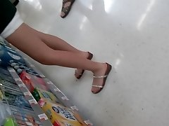 8-9-16 Teen legs and feet