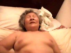 Asya Büyükanne