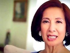 בת 64 Milf Kim Anh מדבר על סקס אנאלי