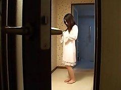 אם יפנית מזיינת את הבן שלה-s חבר -לא מצונזר (MrNo)