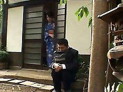 Japon karısı PACKMANS tarafından zafer delik seviyor