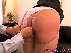 Spraying porn industry star Hana Haruna gets spanked