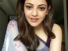 Kajal Aggarwal Showing Armpits and Bra-stuffers in Sleeveless Saree
