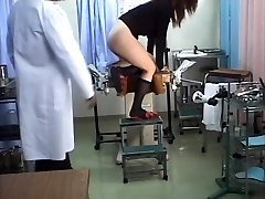 יפנית תלמידה רפואי מציצן סקס
