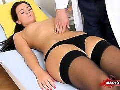 Brunette therapist gaping and cumshot