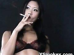 Smēķēšana Hardcore Porno Nerātns Juteklīgs Kinky Slampa