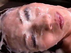 Chica Japonesa - Gran Cantidad De Esperma En Su Cara
