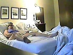 Hidden sex web cam filmed a horny minx jilling off