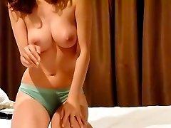 Pohoten korejski par predstavlja prvi domači sex video