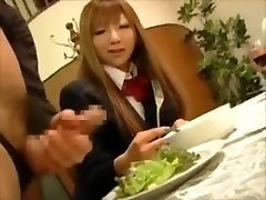 CFNM - Japonski bogato dekleta mučenja moški sužnji na večerjo
