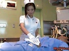 Emi Harukaze nővér bajban