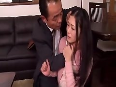 Sem še Naprej Zavezana, Da je Njen Mož je Šef Dejansko Mio Kitagawa