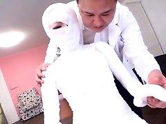 Podnaslov bizarno Japonski ženska bandaged glave do pete