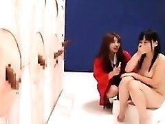 Buxom Azijske dekle s čudovito rit jebe trdo palico wit
