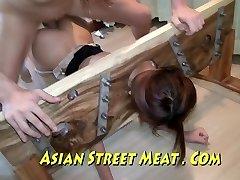 Azjatycki Sweetie Wejść W Pończochach I Promocje