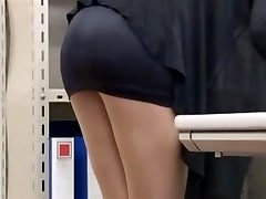 office gal lets him glance-byrequest