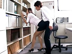 Getting Horny In The Office