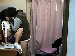 Spycam Teen groped za schoolcoach