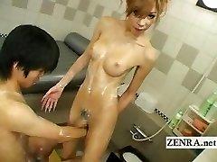 Japonski newhalf shemale soapland z kinky sixtynine