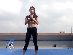 Korean woman Bodyfitness Minsoo workout 02