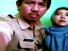indonezijski - bidan berjilbab