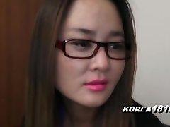 korea1818.com - spięty koreański dziewczyna w okularach