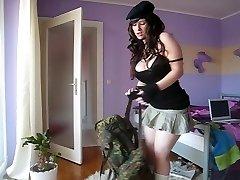 הצבא כלבה