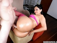 He has fun. Pounding that pussy from all angles. Especially when she rode the cock. That ass shook all over the place. Enjoy!
