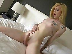 Ts Annabelle Lane cute blond, sexy feet, masturbation